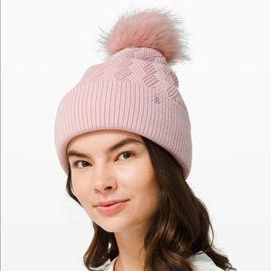 Lululemon Sherpa Weave Pom Beanie